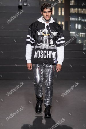Stock Photo of Jhona Burjack on the catwalk