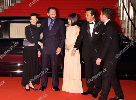 Gabrielle Tana, Ralph Fiennes, Mayu Matsuoka