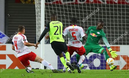 Odsonne Edouard of Celtic sees a good chance saved by Yvon Mvogo of Red Bull Leipzig