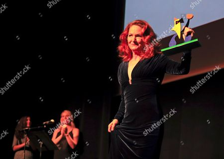 Melissa Leo poses after being awarded the 'Evolution Icon' award during the inauguration ceremony of the 7th Evolution Mallorca International Film Festival in Palma de Mallorca, Balearic Islands, Spain, 25 October 2018. The event runs from 25 to 31 October 2018.