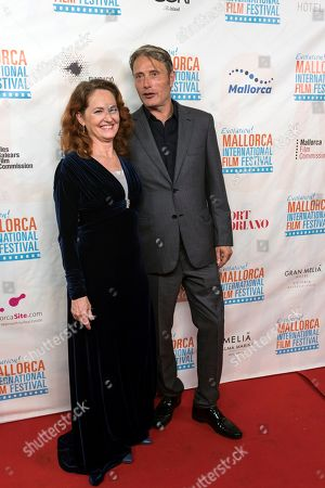 Melissa Leo (L) and Danish actor Mads Mikkelsen (R) pose upon arrival to the inauguration ceremony of the 7th Evolution Mallorca International Film Festival held at the Main Theater in Palma de Mallorca, Balearic Islands, Spain, 25 October 2018. The event runs from 25 to 31 October 2018.