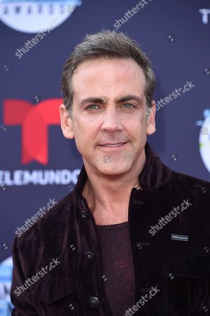 Carlos Ponce arrives at the Latin American Music Awards at the Dolby Theatre, in Los Angeles