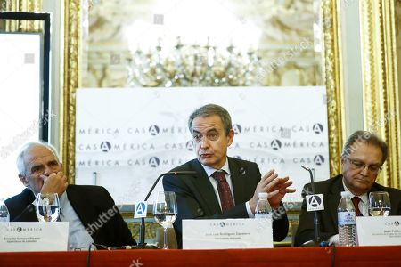 Former Spanish Prime Minister Jose Luis Rodriguez Zapatero (C) speaks seated between former Colombian president Ernesto Samper (L) and the Spanish State Secretary for International Cooperation and for Ibero-America and the Caribbean, Juan Pablo Laiglesia (R), during the forum 'The Challenge of the Ibero-American Integration', held at the House of America in Madrid, Spain, 26 October 2018.