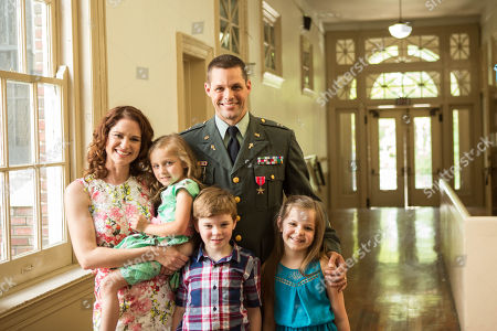 Sarah Drew as Heather Turner, Abby Hummel as Maribeth Turner, Justin Bruening as Darren Turner, Lucas Shane as Sam Turner, Samara Lee as Elie Turner