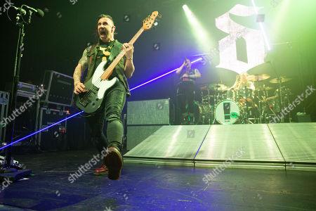 Shinedown - Eric Bass