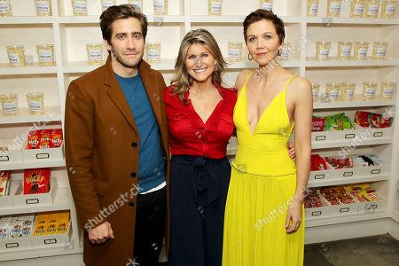 Jake Gyllenhaal (host), Ashleigh Banfield (moderator), Maggie Gyllenhaal