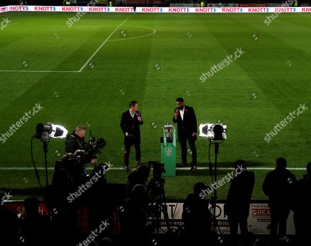 Scott Minto and Darren Bent with the Carabao Cup before the start of the match