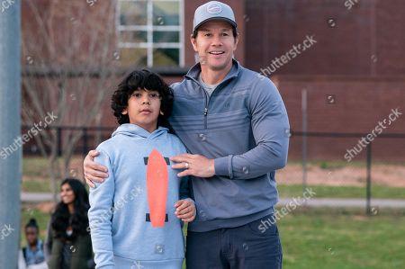 Gustavo Quiroz as Juan, Mark Wahlberg as Pete