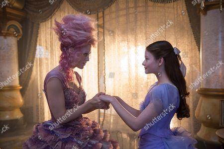 Keira Knightley as Sugar Plum, Mackenzie Foy as Clara