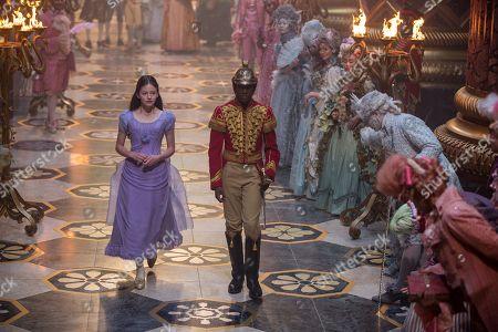 Mackenzie Foy as Clara, Jayden Fowara Knight as Phillip