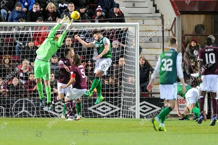 Keeper Adam Bogdan denies Hearts during the Ladbrokes Scottish Premiership match between Heart of Midlothian and Hibernian at Tynecastle Stadium, Gorgie