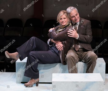 Stock Photo of Imogen Stubbs as Honour, Henry Goodman as George,