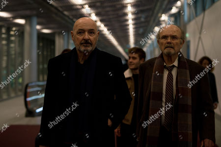 Terry O'Quinn as Tom Tavner, Kurtwood Smith as Leslie Claret