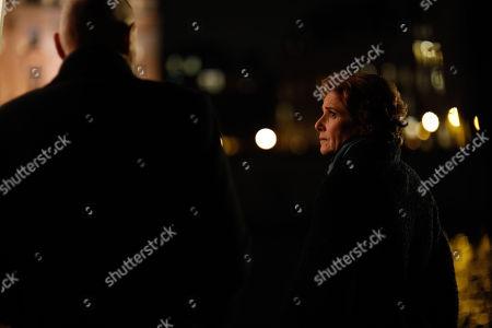 Terry O'Quinn as Tom Tavner, Debra Winger as Bernice Tavner