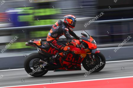 British MotoGP rider Bradley Smith of the Red Bull KTM Factory Racing Team in action during the free practise of the Motorcycling Grand Prix of Malaysia 2018 in Sepang International Circuit, outside Kuala Lumpur, Malaysia, 02 November 2018. The 2018 Malaysian MotoGP will take place 04 November.