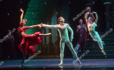 Natalia Osipova as Gamzatti, Vadim Muntagirov as Solor, Marianela Nunez as Nikiya,