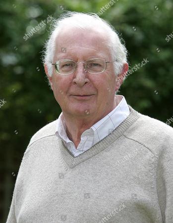Dr Michael Irwin