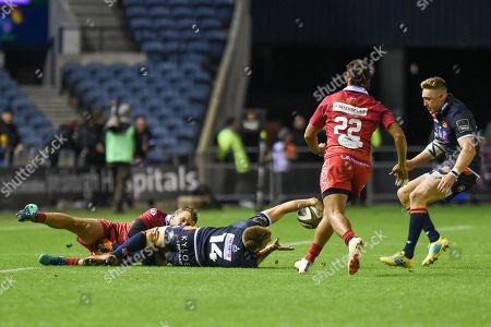 Tom Brown presents ball to Dougie Fife during the Guinness Pro 14 2018_19 match between Edinburgh Rugby and Scarlets at BT Murrayfield Stadium, Edinburgh