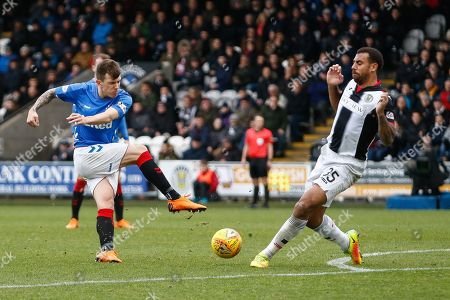 Anton Ferdinand of St Mirren blocks the shot of Andy Halliday of Rangers during the Ladbrokes Scottish Premiership match between St Mirren and Rangers at the Simple Digital Arena, Paisley
