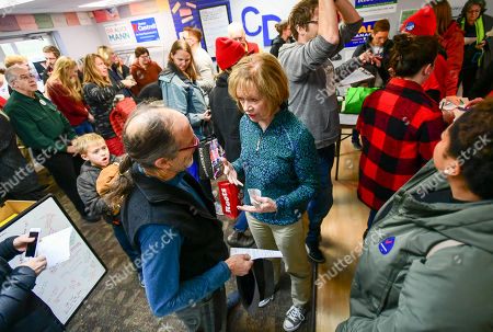 Democrat Sen. Tina Smith (C), who is campaigning for the US Senate, talks with Dr Peter Dorsen (L) of Eagan, Minnesota, during a campaign stop in Burnsville, Minnesota, USA, 03 November 2018. Smith is challenging Republican Karin Housley for the Senate seat formerly held by Al Franken in the 06 November midterm elections.