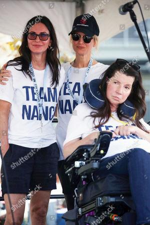 Nanci Ryder, Courteney Cox and Renee Zellweger