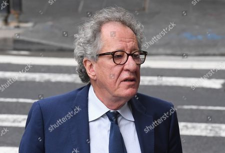 Australian actor Geoffrey Rush (C) arrives at the Federal Court in Sydney, Australia, 05 November 2018. Australian actor Geoffrey Rush is suing Nationwide News for defamation in relation to published articles alleging the actor acted inappropriately towards a female castmember during a production of the play King Lear.