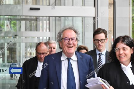 Australian actor Geoffrey Rush (C) leaves the Federal Court in Sydney, Australia, 05 November 2018. Australian actor Geoffrey Rush is suing Nationwide News for defamation in relation to published articles alleging the actor acted inappropriately towards a female castmember during a production of the play King Lear.
