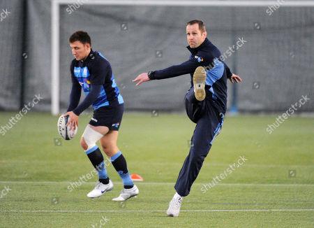 Chris Paterson - ex Scotland full back assists fly half Duncan Weir with his kicking skills.  Scotland training, Oriam Sports centre, Edinburgh, Scotland, Monday 5th November 2018.  ***Please credit: ©Fotosport/David Gibson***
