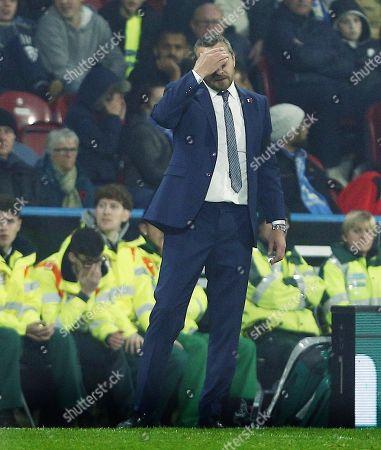 Fulham manager Slavisa Jokanovic looks dejected