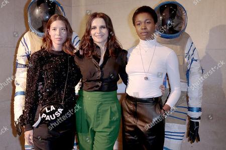 Claire Tran, left, Juliette Binoche, center, with Gloria Obianyo