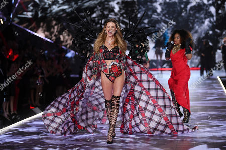 Stock Picture of Leela James and Behati Prinsloo on the catwalk