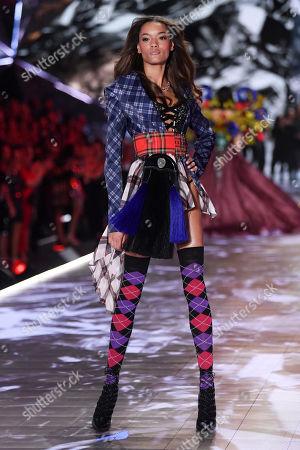 Lameka Fox on the catwalk