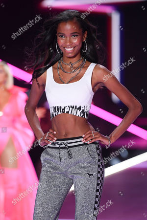 Stock Image of Isilda Moreira on the catwalk