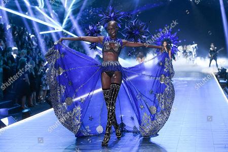 Grace Bol on the catwalk