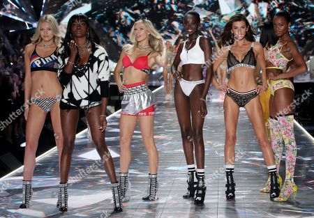 Josie Canseco, Georgia Fowler and models on the catwalk