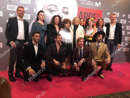 Inma Cuesta (4RU), Paco Leon (2LD), Debi Mazar (3LU), Julian Villagran (1RD), Manuela Carmena (RU), Anna Castillo (3RU) and Ken Appledorn (2RD)
