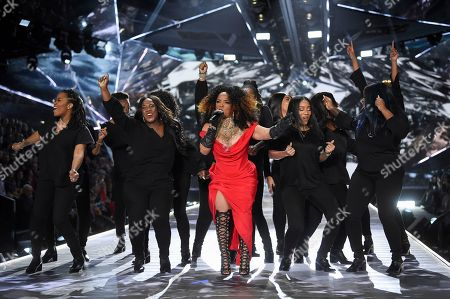 Leela James, center, performs during the 2018 Victoria's Secret Fashion Show at Pier 94, in New York