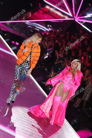 Willow Hand and Bebe Rexha on the catwalk