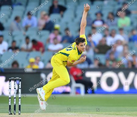 Patrick Cummins of Australia bowls during the second One-Day International (ODI) match between Australia and South Africa at Adelaide Oval in Adelaide, Australia, 09 November 2018.
