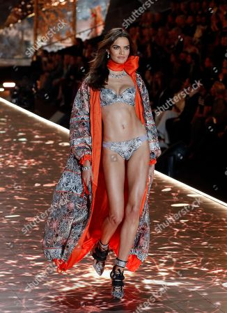 Brazilian model Barbara Fialho walks on the runway during the 2018 Victoria's Secret fashion show at Pier 94 in New York, New York, USA, 08 November 2018.