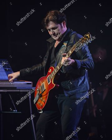 Simple Minds - Charlie Burchill