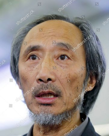 """Chinese dissident writer Ma Jian arrives at Hong Kong international airport, . Hong Kong on Friday permitted dissident writer Ma to enter to attend a literary festival, even after an arts venue in the city canceled his appearance. Ma, whose novels frequently satirize China's communist leaders, told reporters he experienced nothing unusual while passing through passport control and that organizers were still lining-up a place for him to speak. """"The lecture will definitely happen. If there is a single Hong Kong person who is willing to listen, or a single reader who contacts me, I will be there,"""" Ma said"""