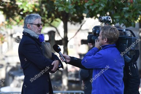 Antoine De Caunes a French television presenter being interviewed