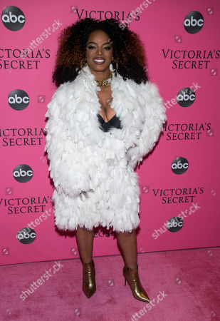 Leela James attends the 2018 Victoria's Secret Fashion Show at Pier 94, in New York