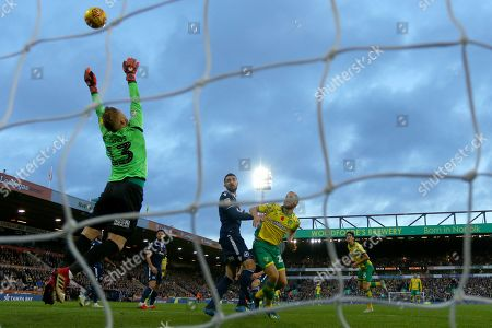 Ben Amos of Millwall tips over a headed effort from Timm Klose of Norwich City - Norwich City v Millwall, Sky Bet Championship, Carrow Road, Norwich - 10th November 2018