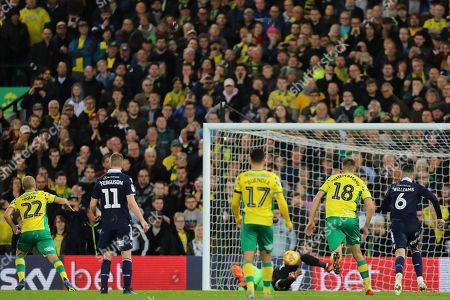 Ben Amos of Millwall saves a penalty from Teemu Pukki of Norwich City - Norwich City v Millwall, Sky Bet Championship, Carrow Road, Norwich - 10th November 2018