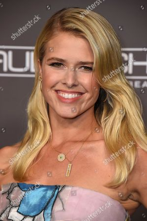 Sarah Wright attends the 2018 Baby2Baby Gala on in Culver City, Calif