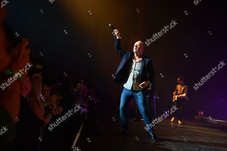 Jim Kerr and Gordy Goudie of Simple Minds
