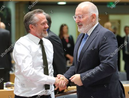 Danish Foreign Minister Anders Samuelson (L) and First Vice-President of European Commission in charge of Better regulation, Inter-Institutional Relations, rule of Law and Charter of Fundamental Rights, Dutch, Frans Timmermans (R) at the European Union general affairs council in Brussels, Belgium, 12 November 2018.