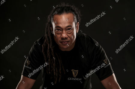 Dublin, 12th November 2018: Ahead of the most hotly anticipated game of the Guinness Series where Ireland take on New Zealand at the Aviva Stadium, Guinness has brought together former New Zealand rugby player Tana Umaga and former Irish international rugby player Brian O?Driscoll over a pint of the black stuff to spotlight the camaraderie of the sport. The pair also performed the traditional Maori Hongi, a strong symbolic show of unity between two people showing how they have put that ?spear tackle? behind them. Throughout the series, Guinness is rallying fans to #AnswerIrelandsCall and get behind the Irish Rugby team. Fans are encouraged to get involved as Guinness is giving away a number of pairs of tickets to each fixture including the sold out Ireland v New Zealand game at the Aviva Stadium. Fans should visit the Guinness Facebook page and leave their message of support using the #AnswerIrelandsCall to be in with a chance to win tickets to the Guinness Series (terms and conditions apply) *. Guinness is the official title sponsor of the Guinness Series and a proud supporter of Irish Rugby. Enjoy Guinness sensibly. Visit www.drinkaware.ie . Facebook: www.facebook.com/Guinnessireland. Twitter: @GuinnessIreland. Pictured is Tana Umaga